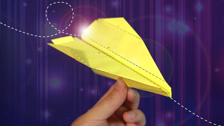 Faça um avião planador de papel usando dobradura e origami! Com este passo a passo em vídeo, será simples e fácil ter seu avião de papel para brincar.