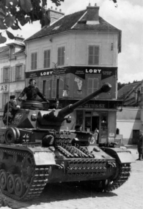 Crónica fotográfica de la Segunda Guerra Mundial 7616 - Maldito Insolente