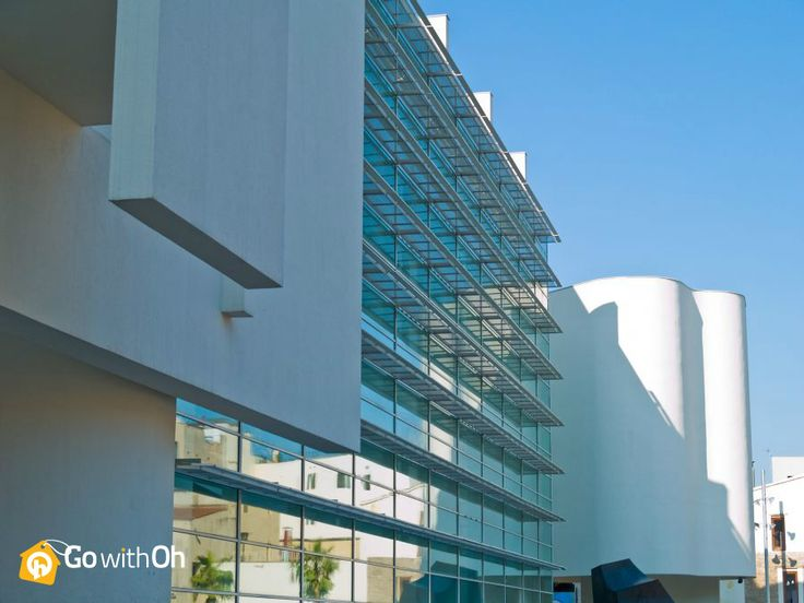 Hot spot for art lovers & skateboarders alike... The MACBA is not to be missed! See why here: www.gwo.is/macba-f #GowithOh #Barcelona