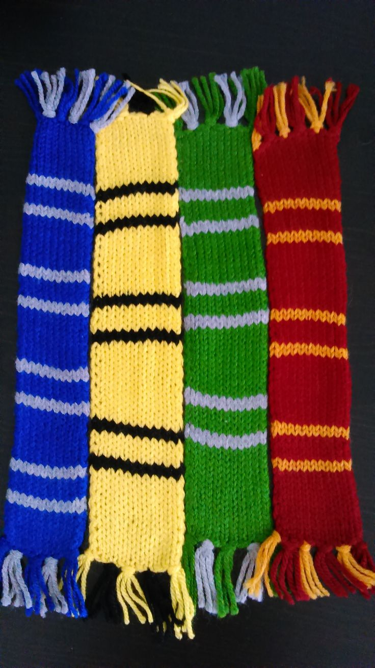 Harry Potter hand-knitted all 4 Houses bookmark scarves!