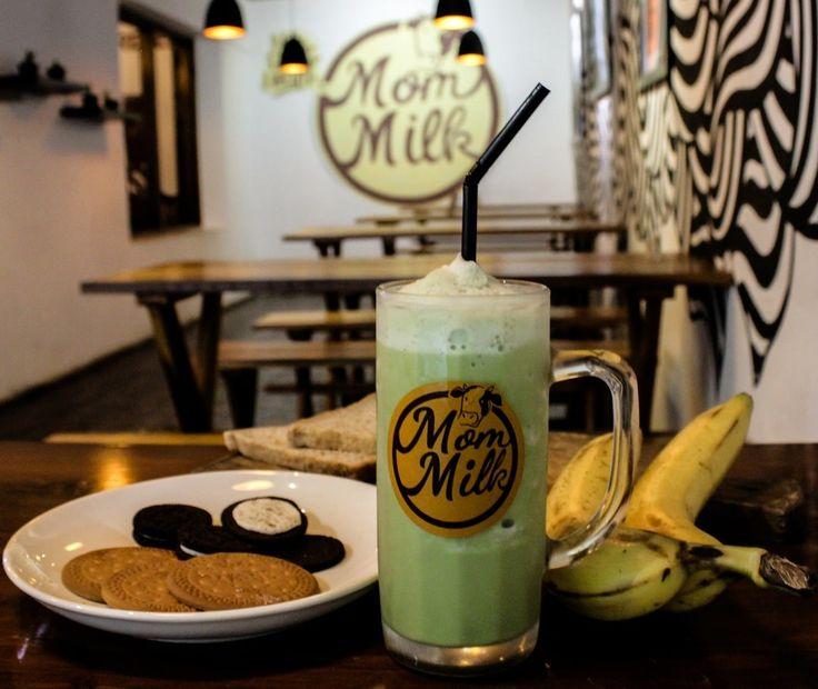 """Nama yang rada absurd ya, karena terjemahan bebasnya adalah """"susu ibu"""" tapi sebenarnya makna eksplisitnya adalah cafe ini menyediakan berbagai olahan minuman susu murni yang diolah dengan aneka rasa."""