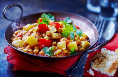 A simple Aloo chana masala recipe for you to cook a great meal for family or friends. Buy the ingredients for our Aloo chana masala recipe from Tesco today.