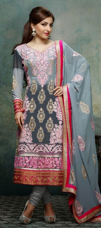 Another style modeled by #SohaAliKhan, have a look! #Grey #Salwarkameez #Partywear #Bollywood #floral #embroidery #onlineshopping #springsummer
