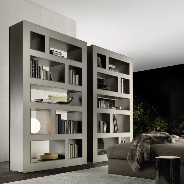 The Stele Bookcase by Rimadesio is made entirely of glass and has plenty of space to store all your belongings. #shelving #bookcase #rimadesio #hauteliving #chicago