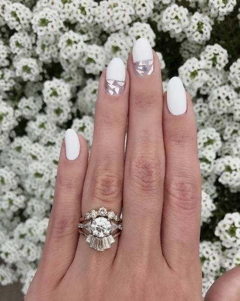 So many of my favorite things coming together...white nails + mosaic + half dip. Annnnnd our champagne headdress band + trillion engagement ring + our new Emerald City band! #loveyourbones