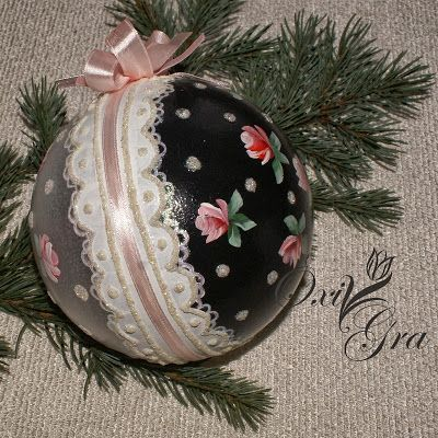 .use matching fabric scraps and lace over Styrofoam balls, make a shabby/cottage chic Christmas