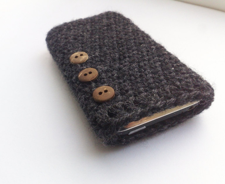 Charcoal crochet iPhone case with button embellishment #naturadmc