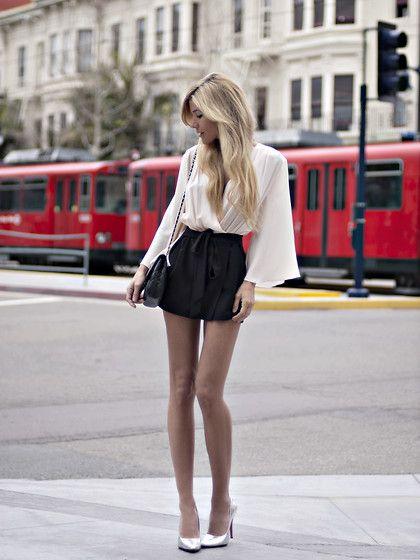 : Long Legs, Kimonos Style, Skirts, Black And White, Street Style, Outfit, Black White, White Blouses, High Waist Shorts