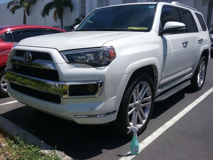 La #Toyota brilla de manera Espectacular con Magic Clean Car deja Tu Auto Limpio y brillantemente encerado de una sola vez y sin agua #lavasinagua #lavaenseco
