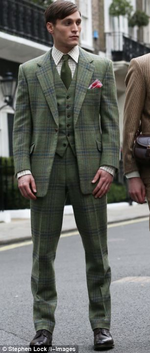 Bespoke tailored outfit insppired by the 1920s (and Downton Abbey)