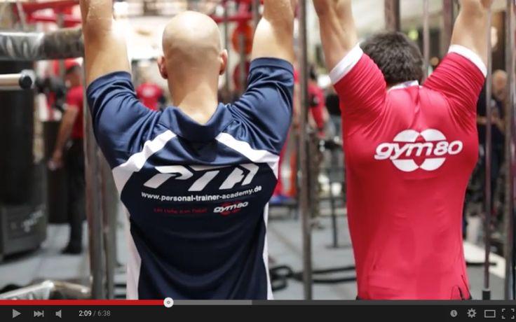 Auf der FIBO 2015 hatten wir noch einen weiteren Spezialgast. Matze ist Gewichtheber und tritt bald bei Olympia an. Im heutigen Video bringt er Rouven einige Techniken bei und erzählt von seinem Trainingsalltag.  http://personal-trainer-ausbildungen.de/olympisches-gewichtheben/  #fitness #gewichtheben #olympia #pta #personal #trainer #academy #training #sport #weightlift #gewicht #maximal