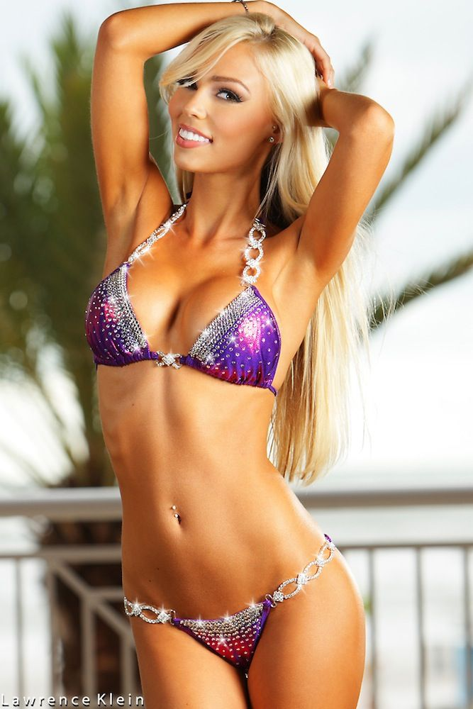 Hot Blond In Bikini 14