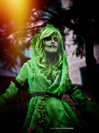 With permission by LilithiaDark Facebook page This is the most amazing Oogie Boogie costume I've ever seen!!! I really want to do something like this. I'm just awed by it.