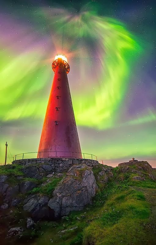 #Lighthouse - Norway    http://dennisharper.lnf.com/