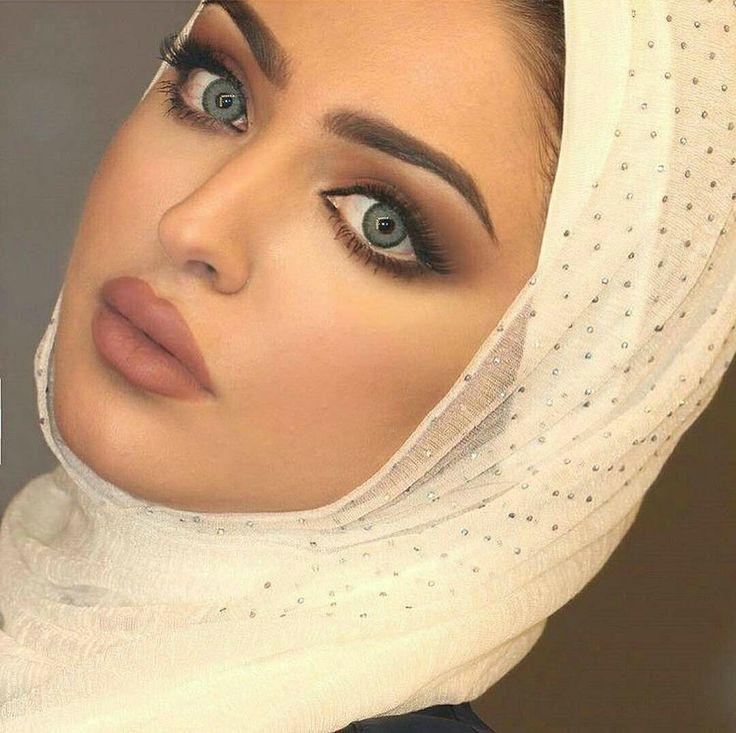 Kuwaiti beauty Hanan Abdullah