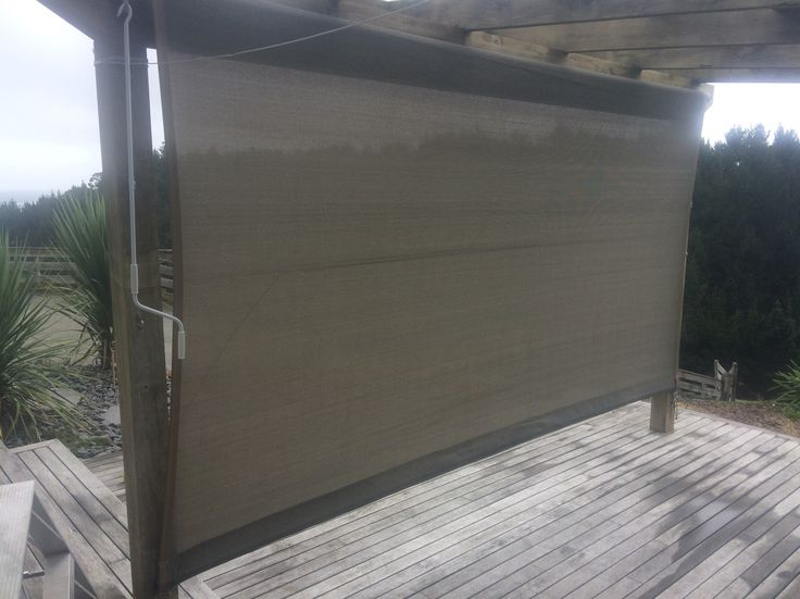 This dual purpose Roller can be used as either an awning or as a screen/blind. Made in mesh.