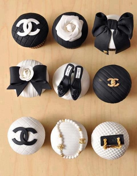 Chanel black + white couture cupcakes