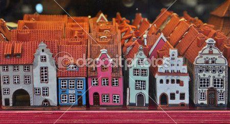 Сувенирные дома в Сувенирный магазин в Риге — стоковое изображение #32640075