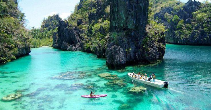 Αυτό είναι το ομορφότερο νησί στον κόσμο:Palawan στο αρχιπέλαγος των Φιλιππίνων:  παρθένα τροπική φύση, ασβεστολιθικοί βράχοι, κοραλλιογενείς ύφαλοι, βουνά τυλιγμένα στην ομίχλη, συναρπαστική άγρια ζωή και last but not least πρωτόγονες φυλές.