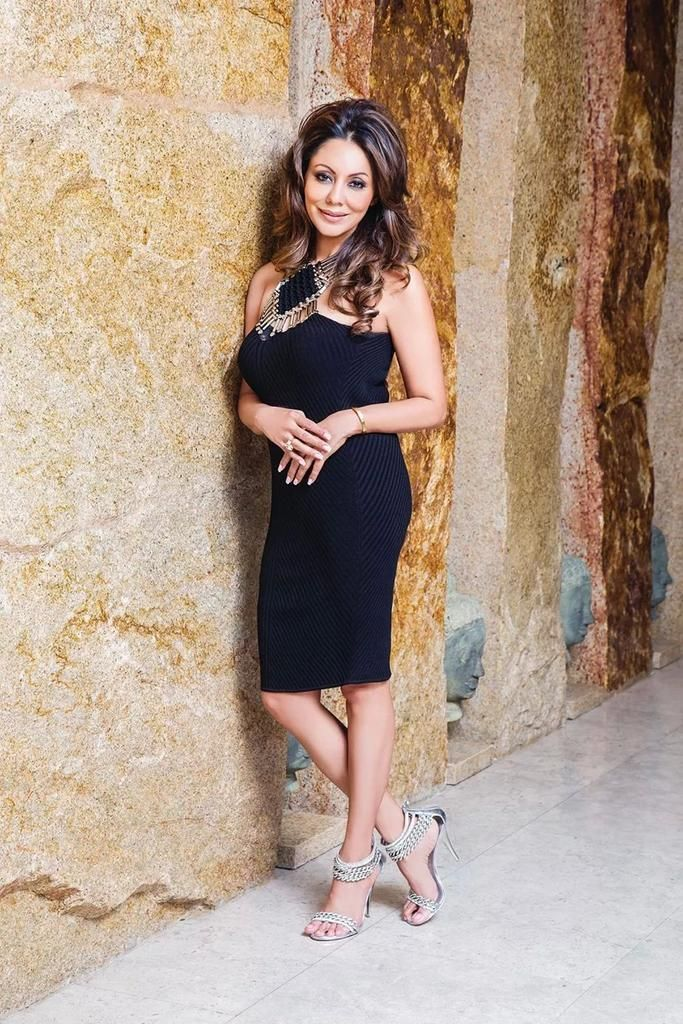Gorgeous Gauri Khan on HELLO!! Mag Middle East. @iamsrk pic.twitter.com/l87wVclioS