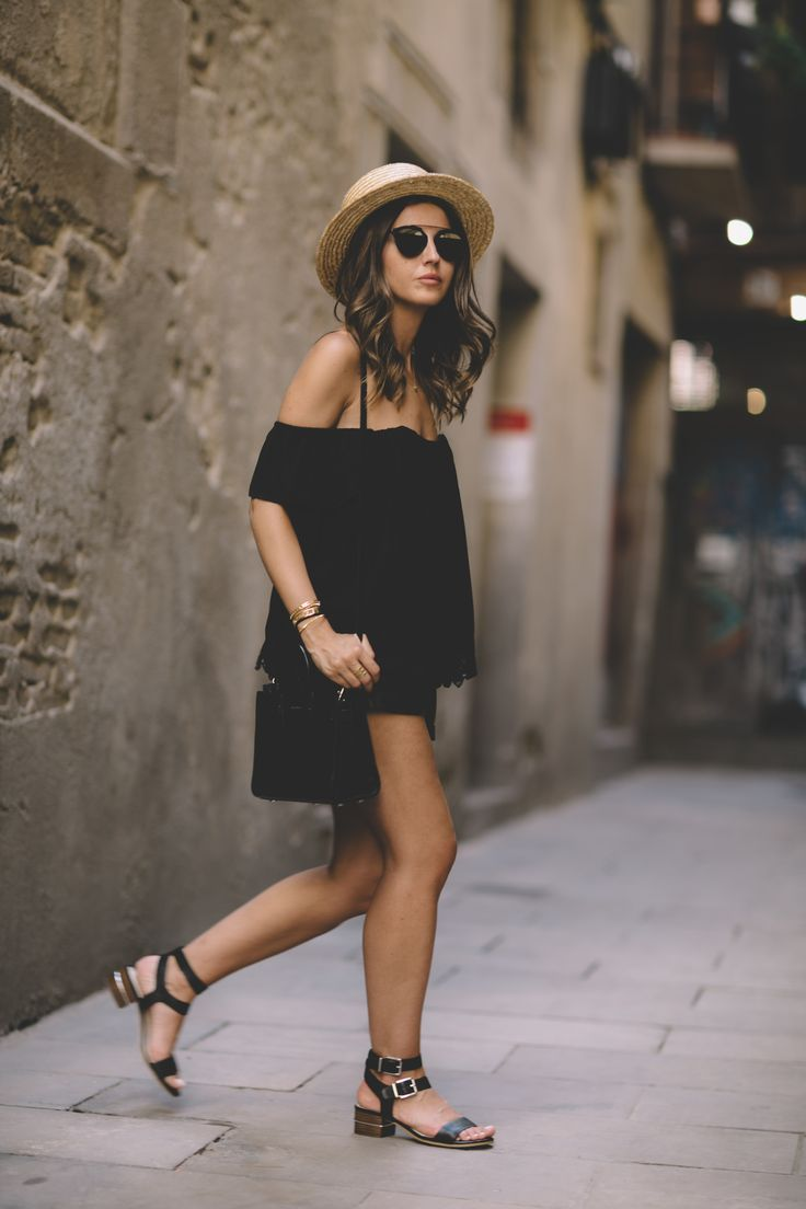 THE ALLEYWAY - Lovely Pepa by Alexandra