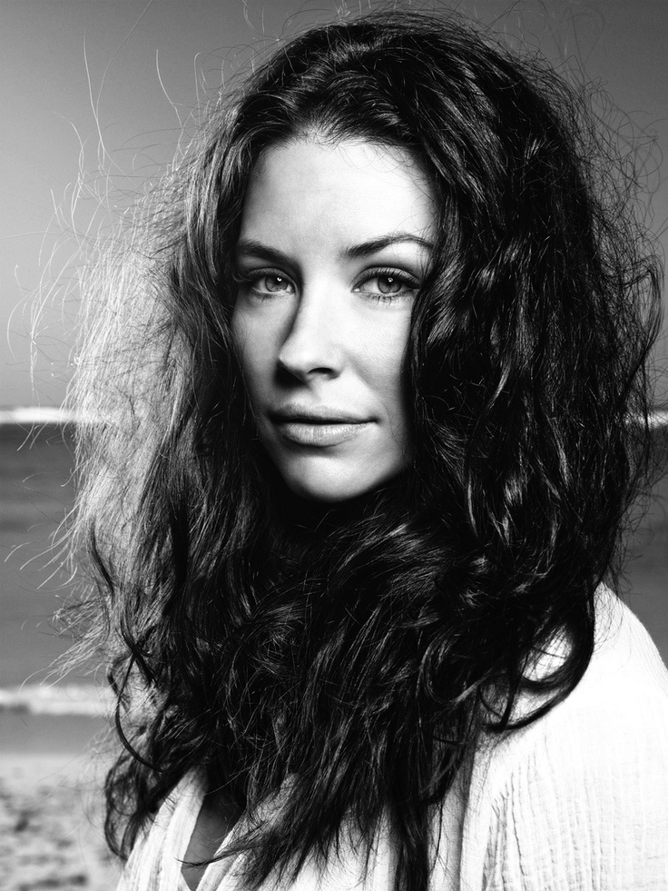 Evangeline Lilly, my new hair style icon...