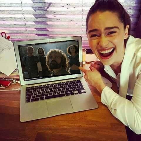 Hilarious! Photoshopped, but hilarious. Emilia Clarke's (Daenerys') reaction to Dany abandoning Tyrion, Jorah, Daario and Missandei in the fighting pit