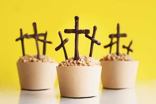 Easter Cross Cupcakes Tutorial
