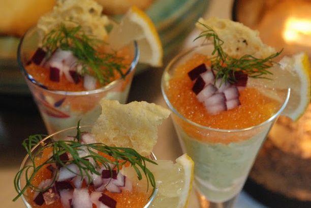 Cocktail med avokado, löjrom och västerbottensflarn