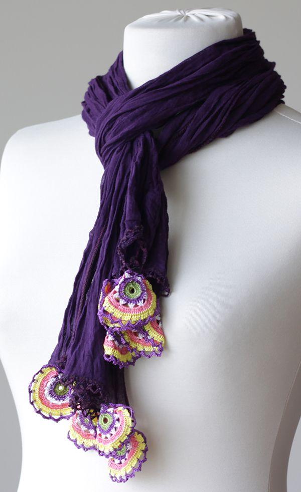 Aplicaciones de crochet en bufanda púrpura de algodón. Una buena inspiración. / Purple Women Cotton Scarf, Long Scarf with Turkish Crochet oya, NEW, Oya, Yemeni, Neckwarmer, Spring Fashion wrinkled scarf
