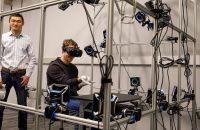 Oculus VR работает над перчатками-контроллерами Oculus Gloves    В настоящее время более пользующимся популярностью методом взаимодействия с виртуальным миром при использовании VR-гарнитур являются особые манипуляторы вроде Oculus Touch либо PS Move, все же, лидеры данной промышленности не перестают разрабатывать новые методы общения пользователей с виртуальным местом. Наканунеглава Facebook и обладатель Oculus VR Марк Цукерберг (Mark Zuckerberg) рассказал о своём визите в редмондскую…