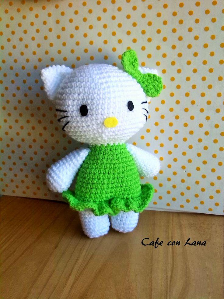 Hola,   Hoy os traigo un patrón creado por mi, así que si tenéis dudas, preguntarme!  HELLO KITTY , la he hecho con vestido verde porque fue...