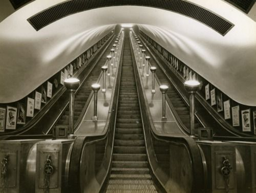 Leicester Square tube station, 1930s