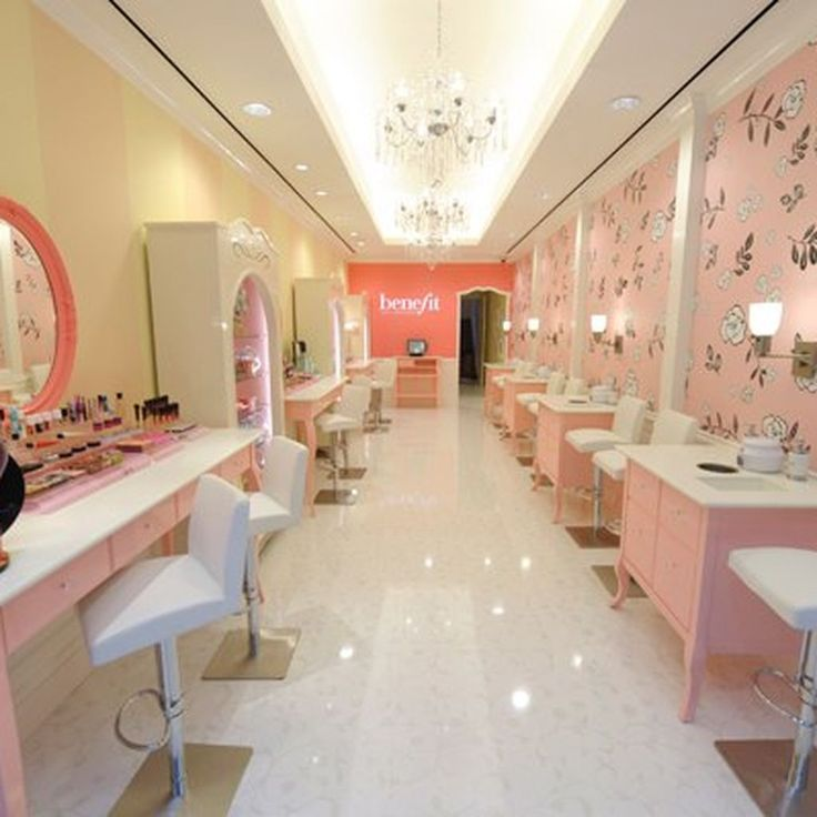 Beauty in New York ranges from tiny no-name nail salons to palaces of hair care that charge thousands of dollars and get name-checked on Gossip Girl. Given the variety, diversity, and sheer number...