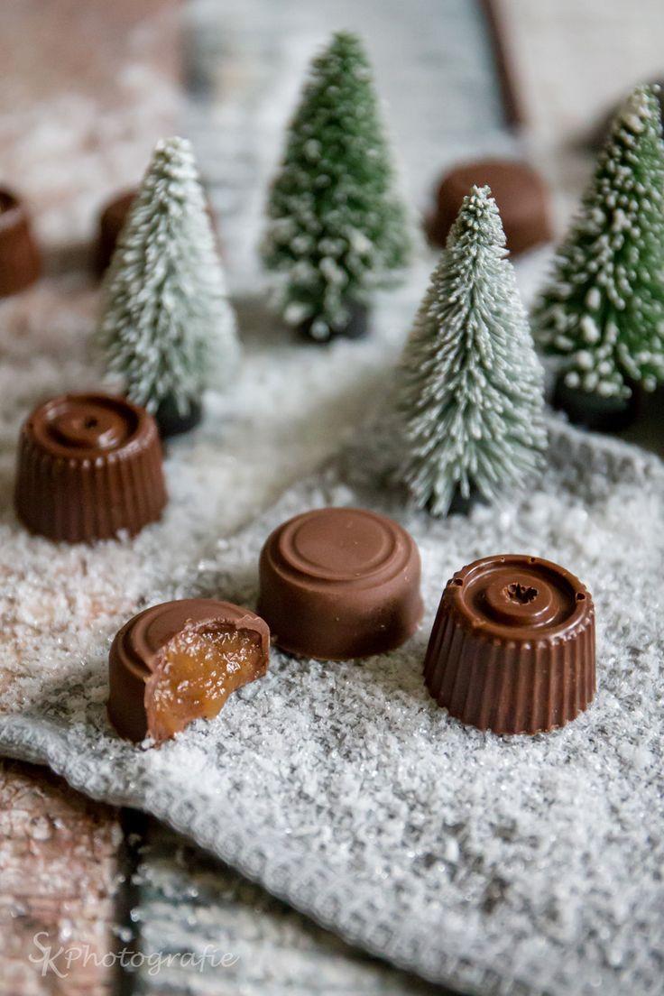 Schokoladen-Pralinen mit Apfel-Zimt-Füllung
