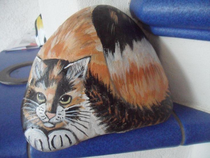 handbemalter stein katze bei ebay bemalter stein bemalte steine katzen tiere auf stein. Black Bedroom Furniture Sets. Home Design Ideas