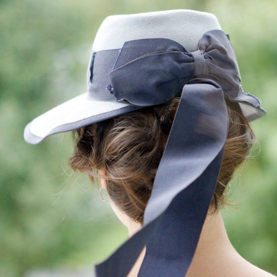 Vintage blue bow hat 'anne shirley' <3