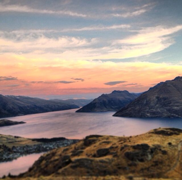 View from Queenstown Hill / Wakatipu Lake / Queenstown / New Zealand