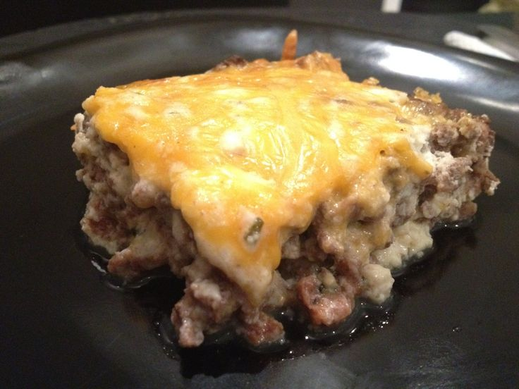 Beef, Cheese, and Sausage Bake - 315 calories, 3 carbs, and 40g of protein per serving