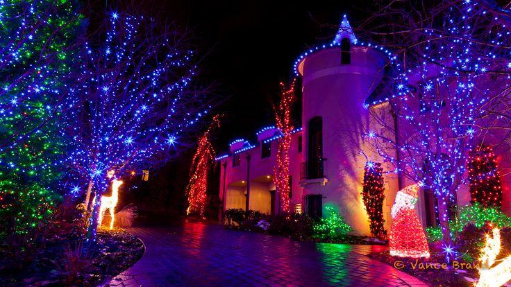 Beautiful Christmas Lights On Houses | Christmas Lights Are Going Green
