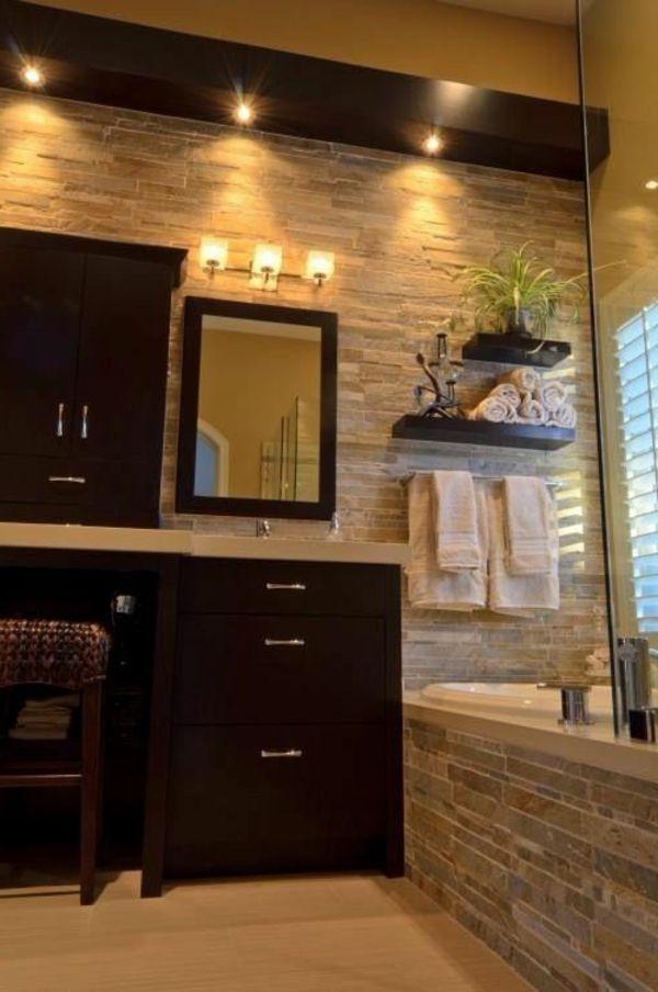 badgestaltung mit einer gläsernen duschkabine und elementen aus holz - 77 Badezimmer-Ideen für jeden Geschmack