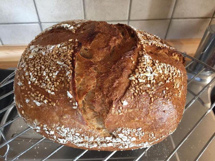 Víkendový celozrnný chléb | ŠKOLA KVÁSKOVÉHO PEČENÍ