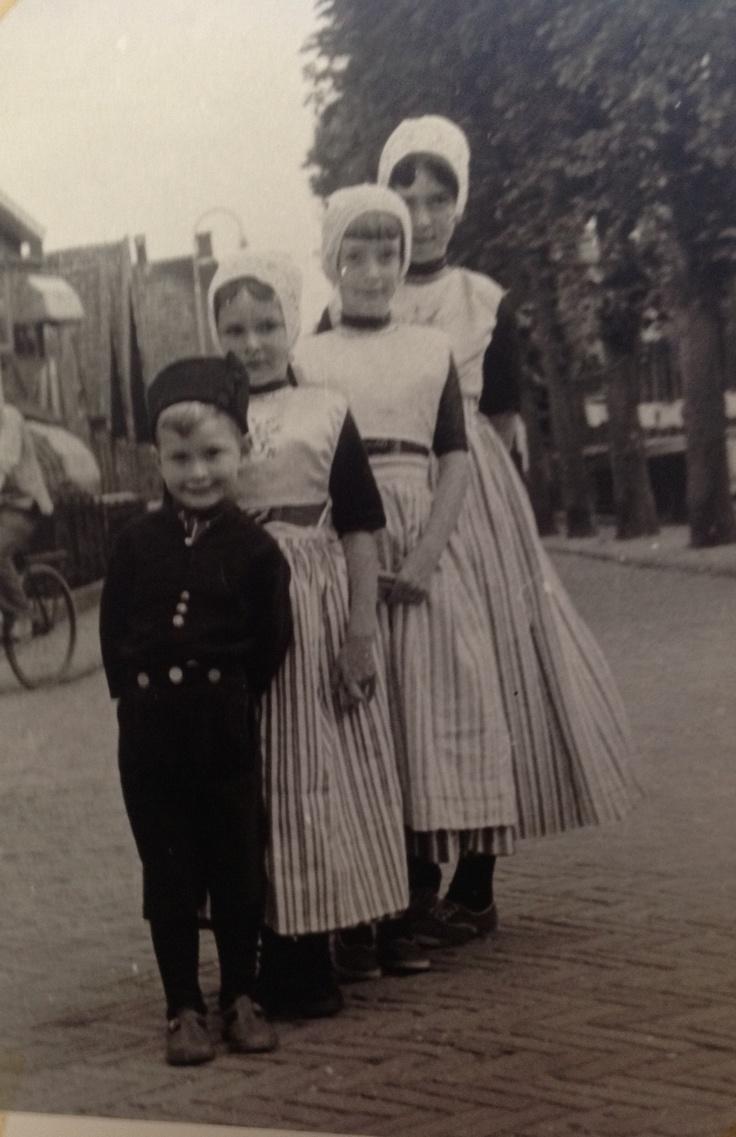 Urker kinderen. Mijn lieve zussen en broertje  oost #Urk