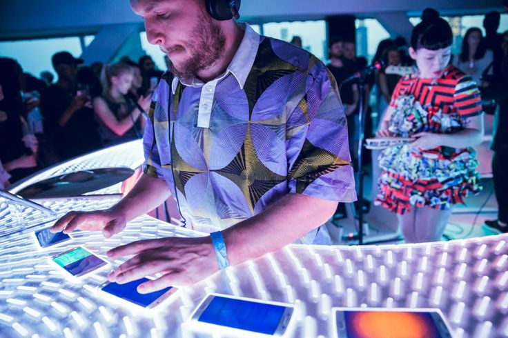 LittleDragon & New Inc's Odd Division used 18 Samsung Galaxy S6 edge phones to make #music. #technology