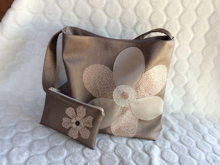 Sac fleur en simili cuir rose gold et tissu à pois : Sacs bandoulière par l-etoile-de-jade