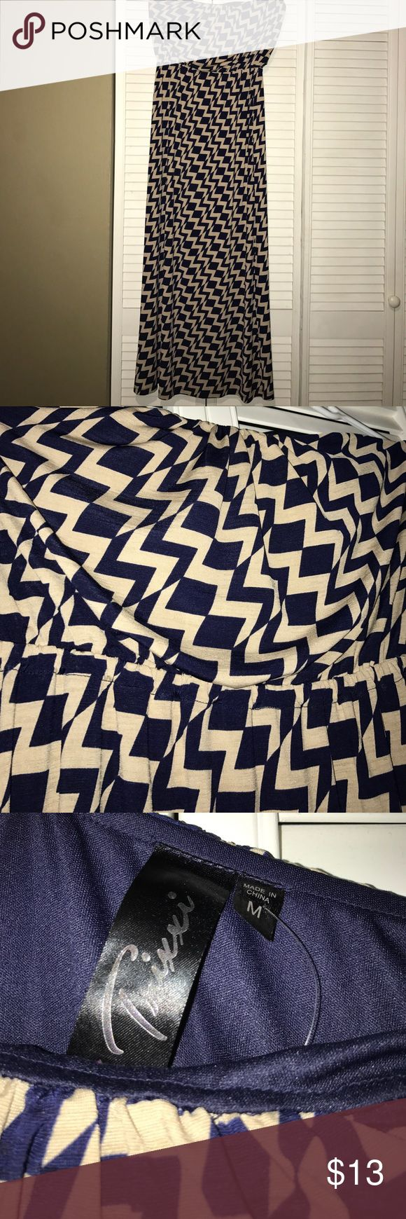 """Strapless maxi dress Adorable navy and tan chevron matters, I am 5'2"""" and it hits the ground on me! Maybe worn once! Trixxi Dresses Maxi"""