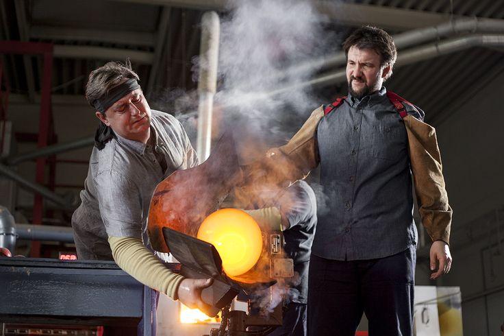 BOMMA manufactory insight  photo: Johana Němečková #glassmaking #craftmanship #czechcrystal #crystal #mouthblown #handmade #tradition #glass #crystal #glassblowing #czechrepublic #hardworking #toughlife