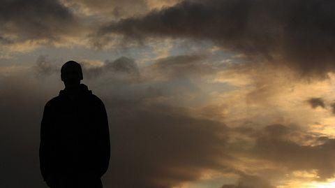 Tutkimus: Mindfulness-meditaatio voi lievittää traumanjälkeistä stressihäiriötä. Mindfulness-harjoituksilla pyritään suuntaamaan tarkkaavaisuus tähän hetkeen ja meneillään olevaan toimintaan.