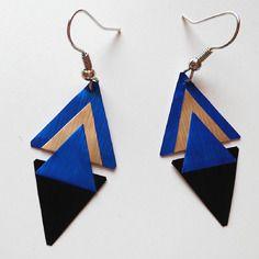 Boucles d'oreilles triangles bleus dorés et noirs en capsule de café nespresso                                                                                                                                                      Plus