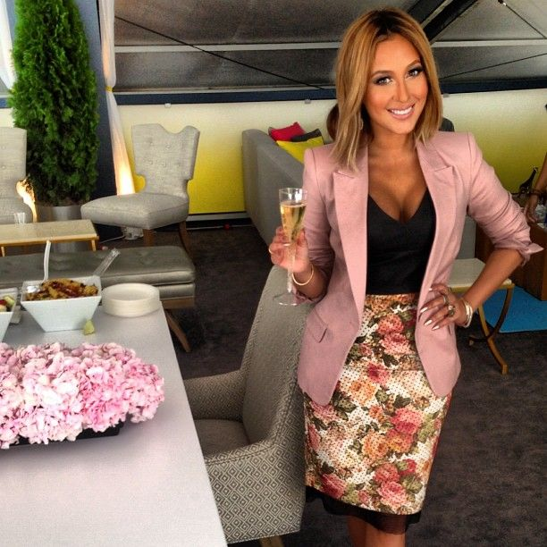 Love this look on Adrienne Bailon
